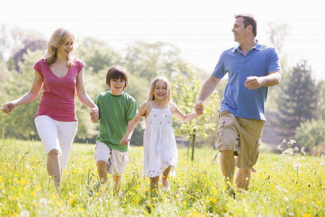 134039474-Family-Sun-Outdoors